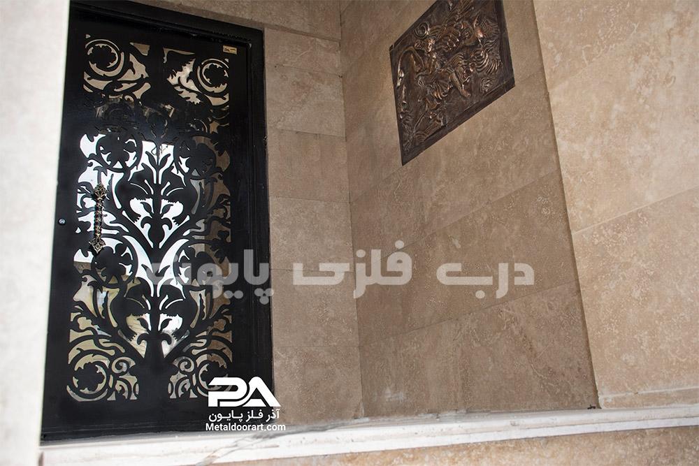 نمونه عکس درب فلزی ساده ورودی ساختمان مسکونی ، جدید، شیک و جذاب