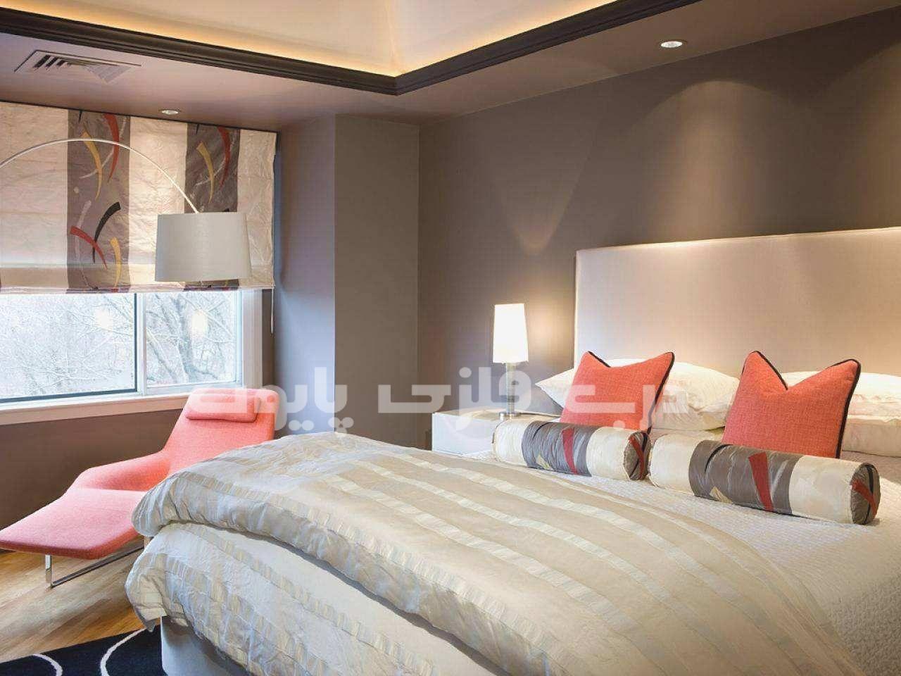 ترکیب رنگ مرجانی با رنگ کرم یا بژ در دکوراسیون منزل