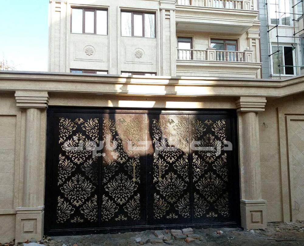 تعویض درب قدیمی
