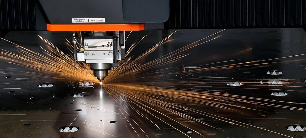 مزایای استفاده از فناوری برش لیزری در صنایع چیست؟