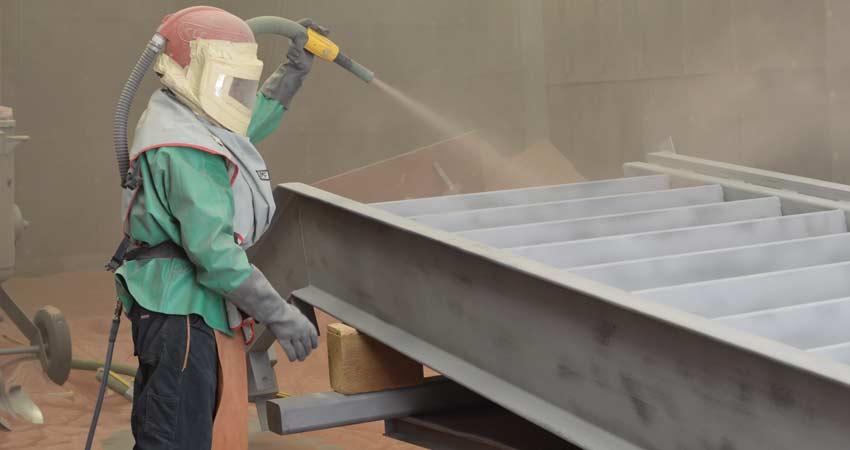 کنترل کیفیت بخش سندبلاست و رنگ آمیزی درب های فلزی