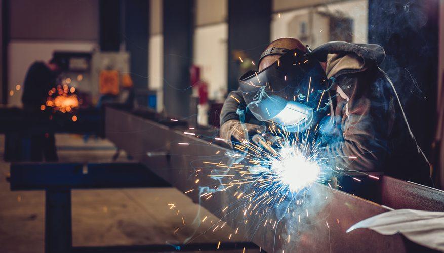 کنترل کیفیت چیست؟   معرفی اصول قواعد و فنون کیفیت در محصولات صنعتی   درب فلزی پایون