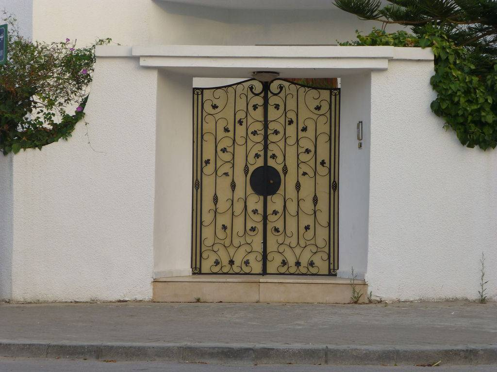 طرح و نمونه جذاب درب فرفورژه ساختمان