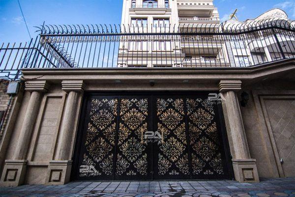 طرح و نمونه های درب فلزی ساختمان ؛ درب های مدرن ورودی ساختمان