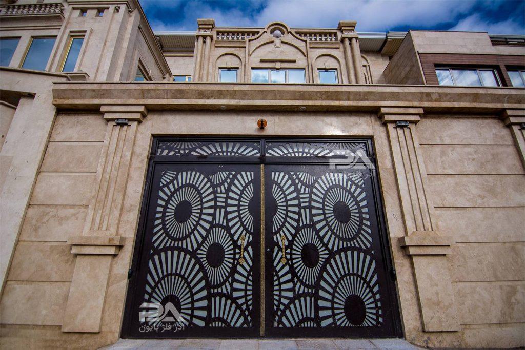 مقایسه درب فلزی ساختمان با سایر انواع درب ورودی