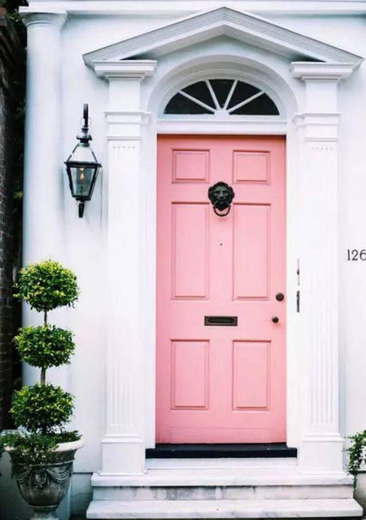 رنگ های گرم برای درب ورودی - رنگ صورتی