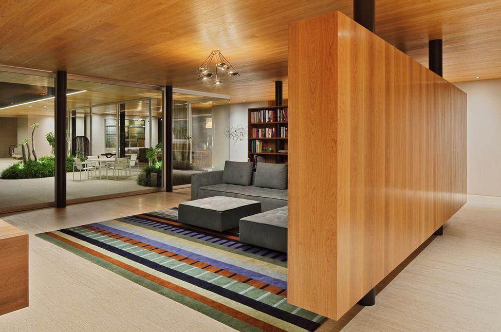 طراحی دکوراسیون داخلی با پارتیشن های چوبی
