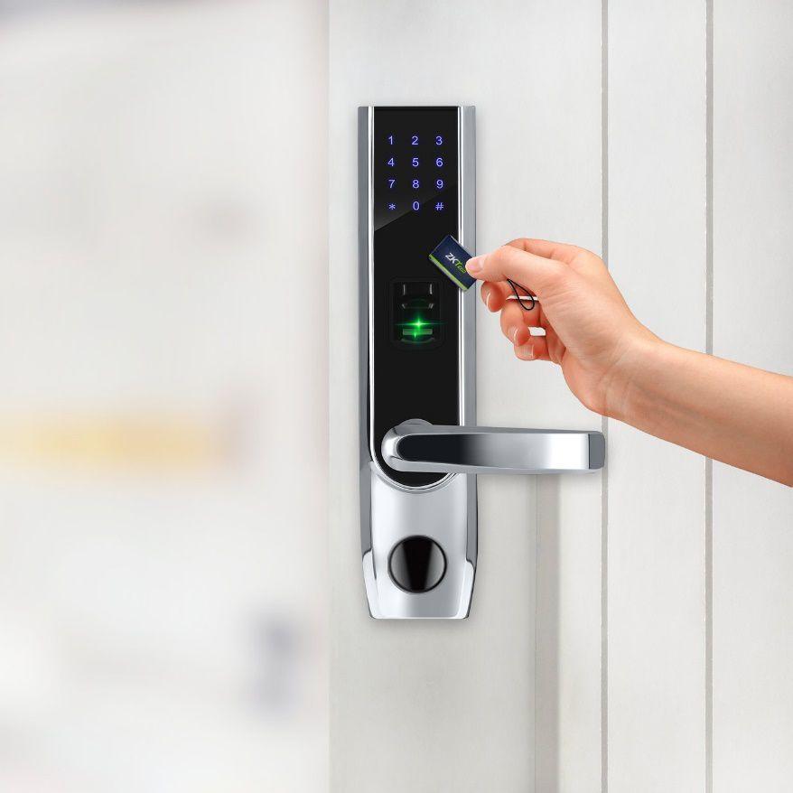 قفل ضد سرقت بر اساس دریافت کارت ورودی