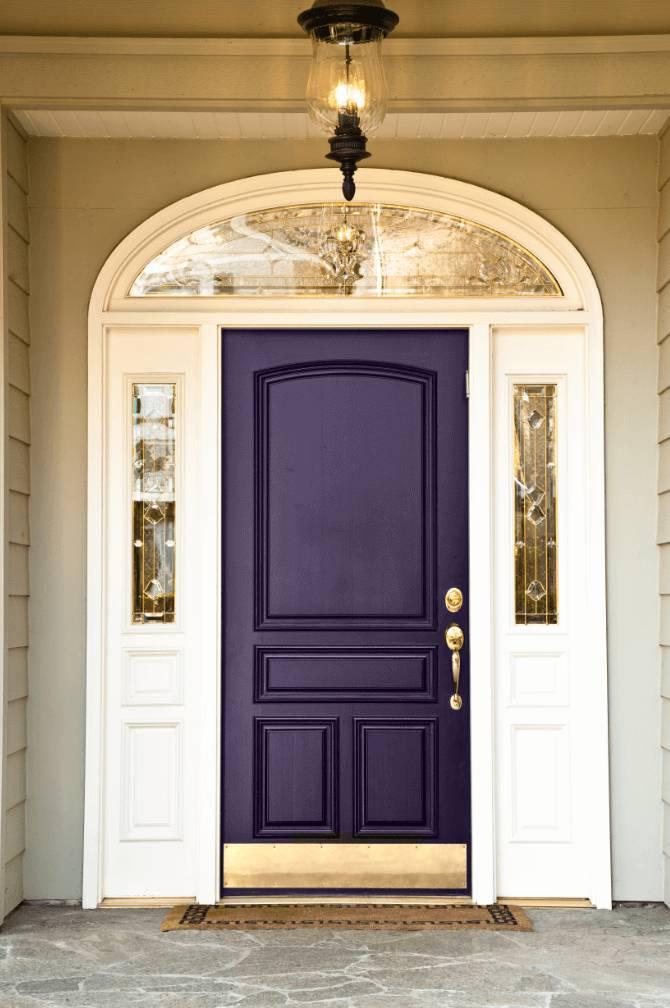 درب چوبی رنگی انتخابی جسورانه و مدرن در دکوراسیون داخلی