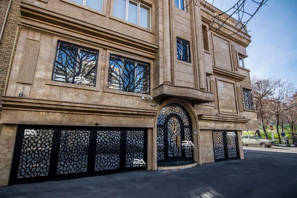 درب ورودی، هماهنگ با هارمونی نمای ساختمان