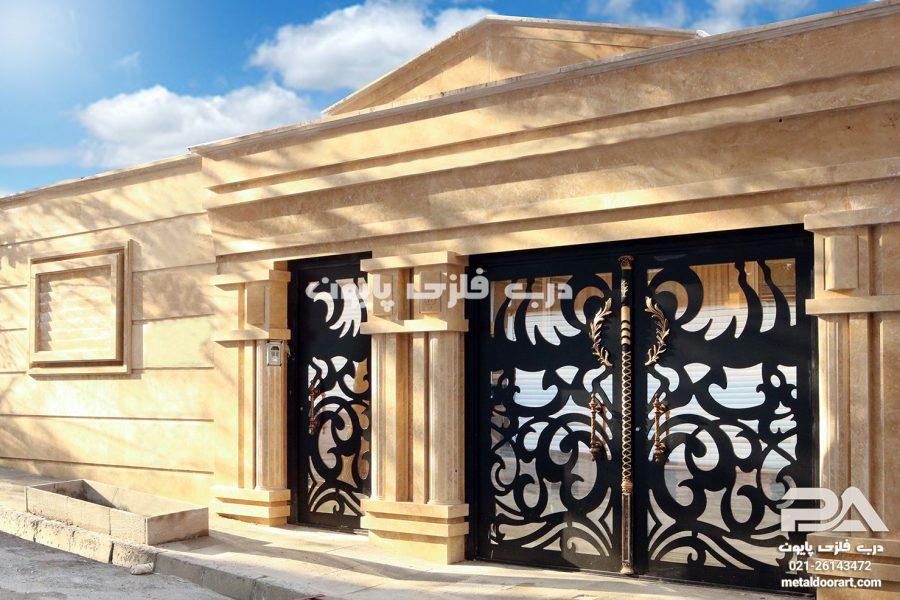 مقایسه مزایا و ویژگیهای درب های فلزی با درب های چوبی