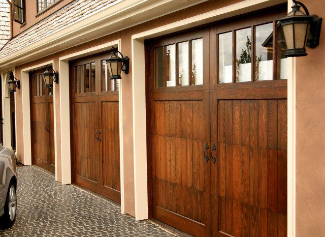 مدل شیک و جذاب درب چوبی منزل