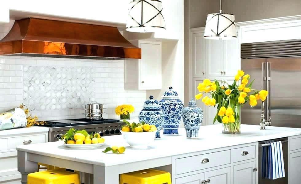 ترکیب رنگ زرد و آبی در دکوراسیون آشپزخانه