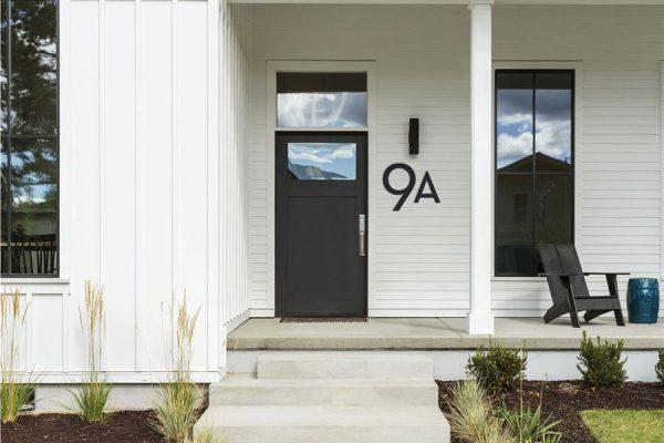 تزیین درب ورودی ساختمان؛ ایده هایی که شما را شگفت زده می کنند