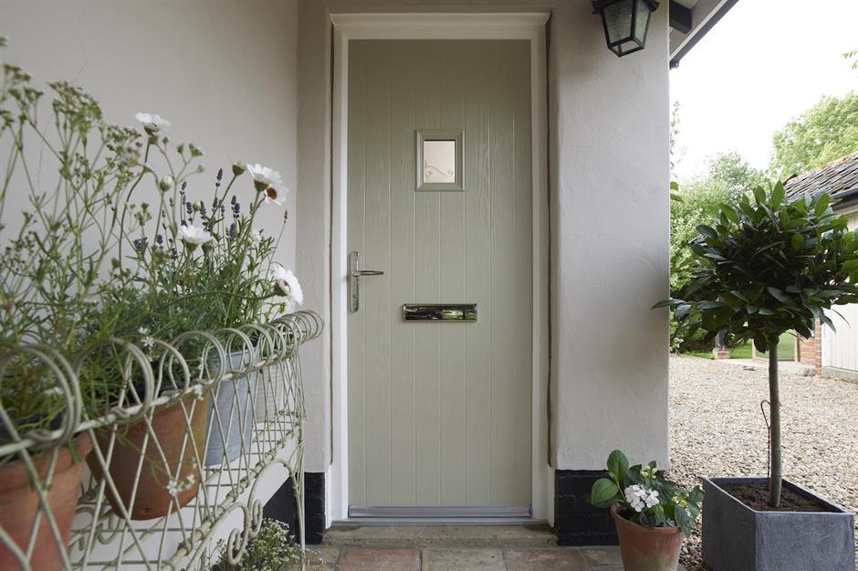 تزیین درب ورودی ساختمان با انتخاب تِم مخصوص
