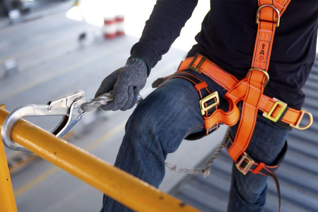 گام اول در استاندارد سازی کار در ارتفاعات