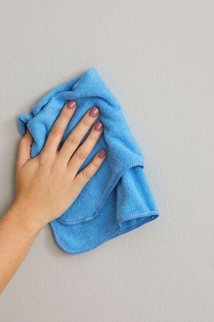 روش های تمیز کردن دیوارهای رنگ شده با رنگ های روغنی