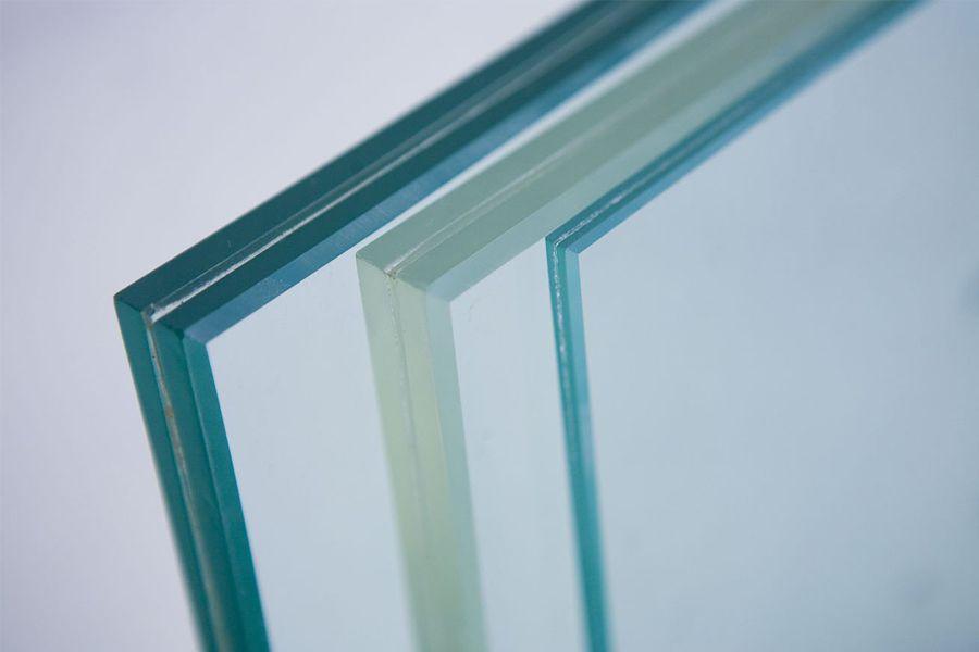 انواع شیشه برای ساختمان؛ ویژگی ها و خصوصیات