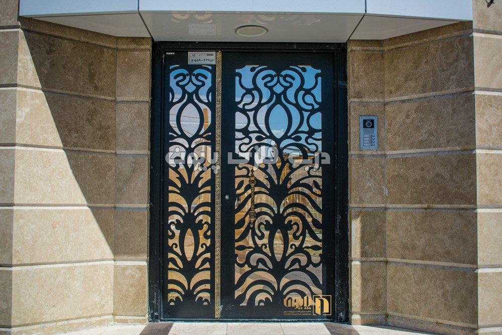 طرح زیبای درب فلزی