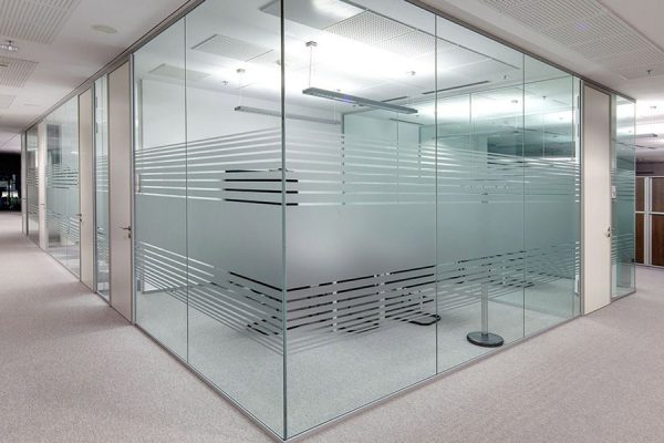 پارتیشن های شیشه ای ،بهترین ابزار برای دکوراسیون داخلی