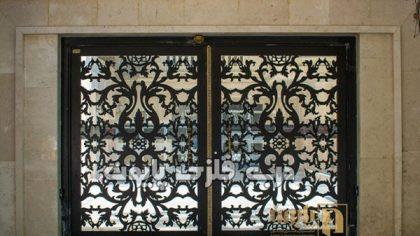 در و پنجره فلزی با طرح سنتی برای خانه شما