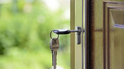جا ماندن کلید پشت در و راهحل باز کردن آن