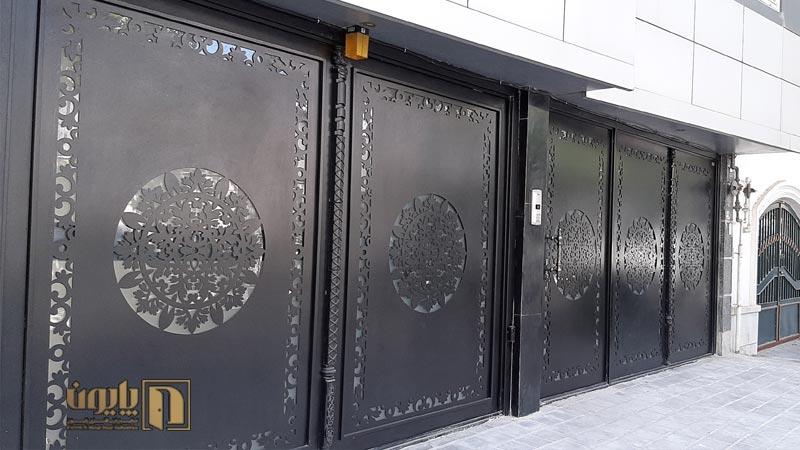 درب فلزی پارکینگ در مشهد