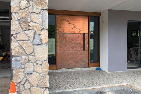 درب با طرح مسی، مناسب برای دربهای ورودی ساختمان