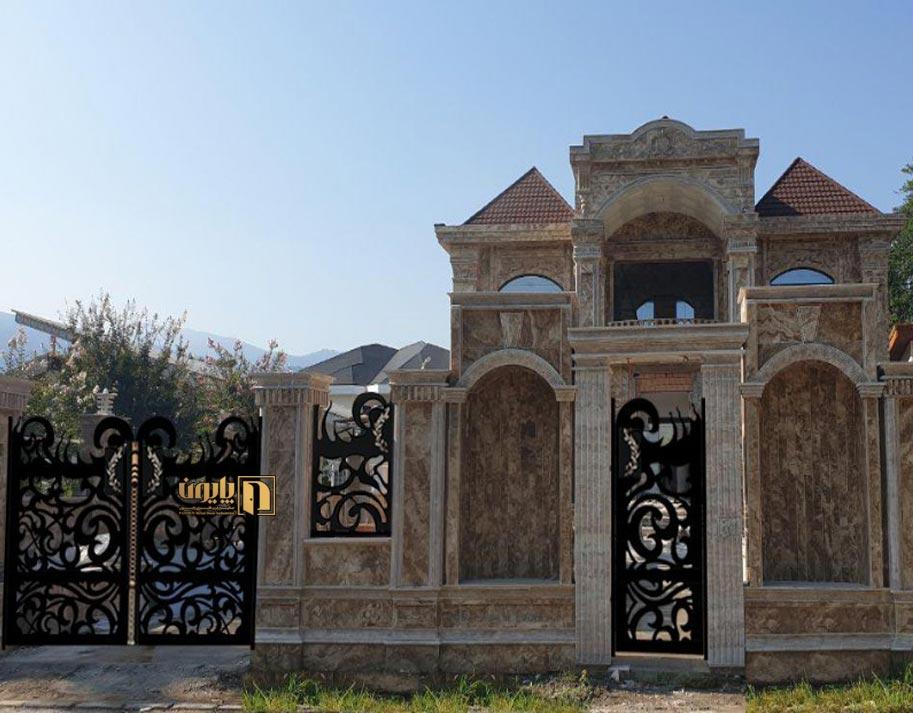 درب ویلا مدرن در یکی از ویلاهای لوکس شهرک امیر دشت کلار آباد مازندران